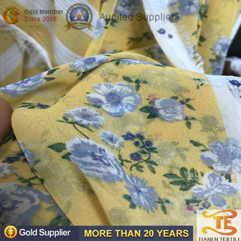 100% Polyester Wrinkle Fabric with Flower Printing for Women Dress pictures & photos