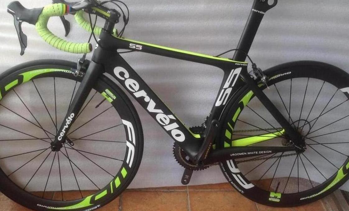 Carbon Fiber Road Bike >> Hot Item 700c Full Carbon Fiber Road Bike Complete Road Cycling Bicycle With 50mm Carbon Wheels 6800 22 Speed Groupset Carbon Bike