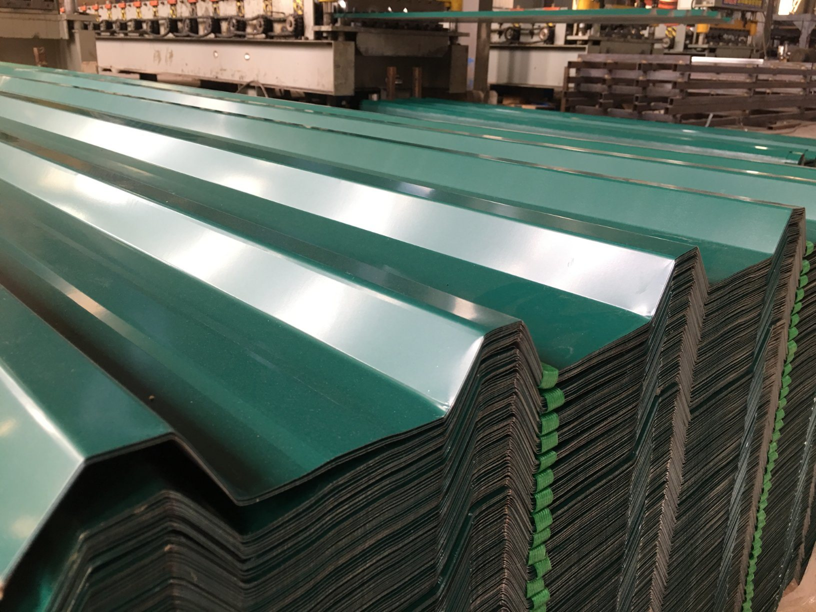 China Factory Wholesale Low Price Zinc Roll Metal Roof Corrugated Steel Roofing Sheet China Building Material Roofing Material