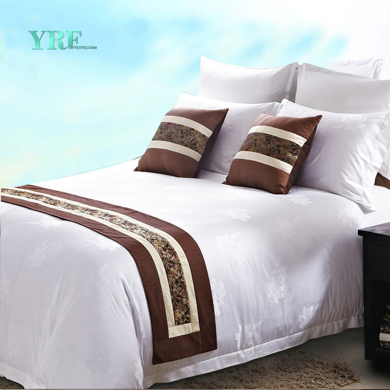 China Wholesale Fashion White Bed Linen Jacquard 4PCS Hotel Bedding Set  Hotel Product   China Hotel Product, Bed Linen