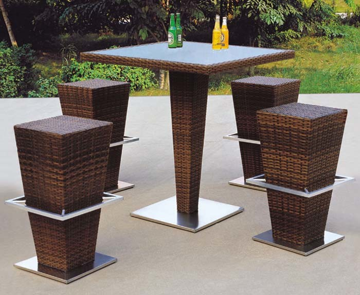 China Modern Design Rattan Bar Table And Stool For Outdoor
