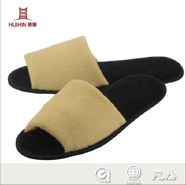 443c55d5ac1c China Terry Velvet Coral Fleece with Logo Bathroom Hotel Slipper - China  EVA Slipper