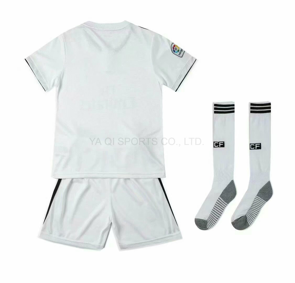 1f4657baca5 China Custom Football Uniforms Sets Sublimation Shirts Kids Soccer ...
