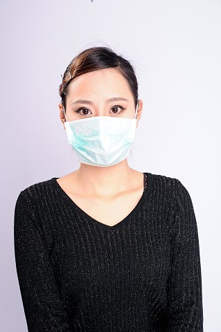Disposable Non Woven Surgical Face Mask with N95 Cetificate pictures & photos