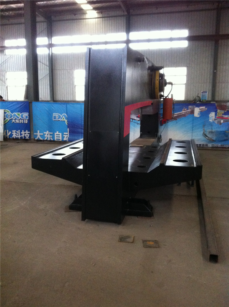 Amada Steel Plate Mechanical CNC Turret Punching Machine pictures & photos