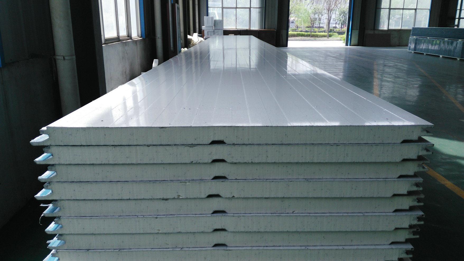 China Pu Pir Foaming Sandwich Panel Cladding Wall Panel