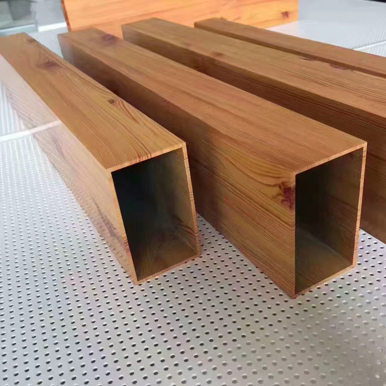 China Building Material Decoration False Ceiling Decorative Panel Suspended Baffle Factory Wood