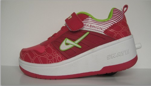 China Roller Shoes and Heelys Shoes