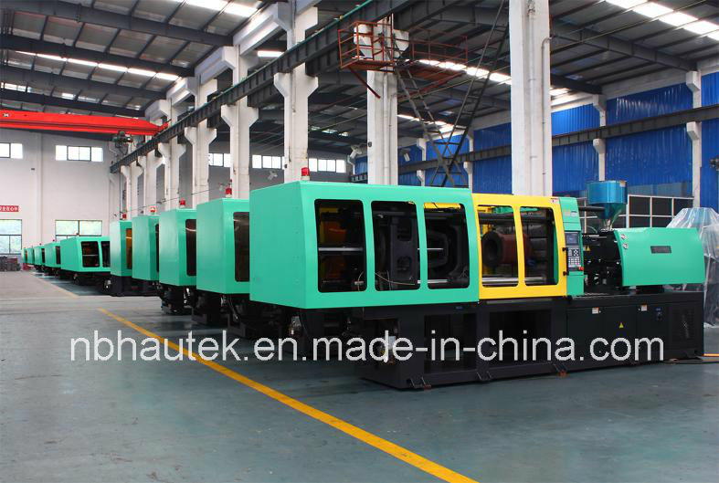 Automatic Plastic Product Injection Molding Machine pictures & photos