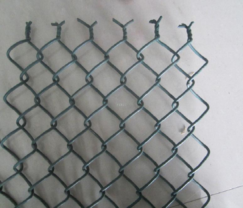 China 6foot Vinyl Coated Chain Link Fencing/Chain Wire Mesh in Roll ...