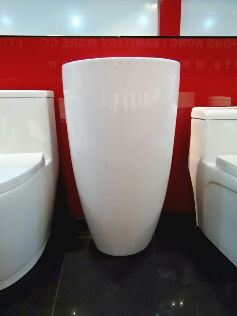 Ceramic Pedestal Basin No. A203 New Model Since 2015 pictures & photos