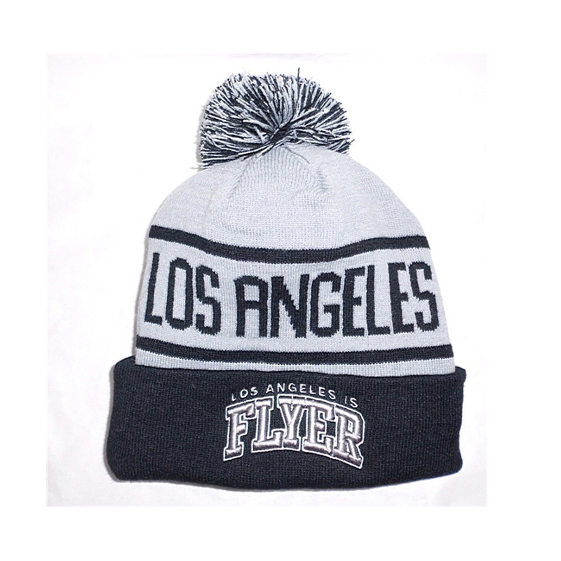 7afb5be79ef China Custom Logo Design Winter Beanie Hat with Knitted Photos ...