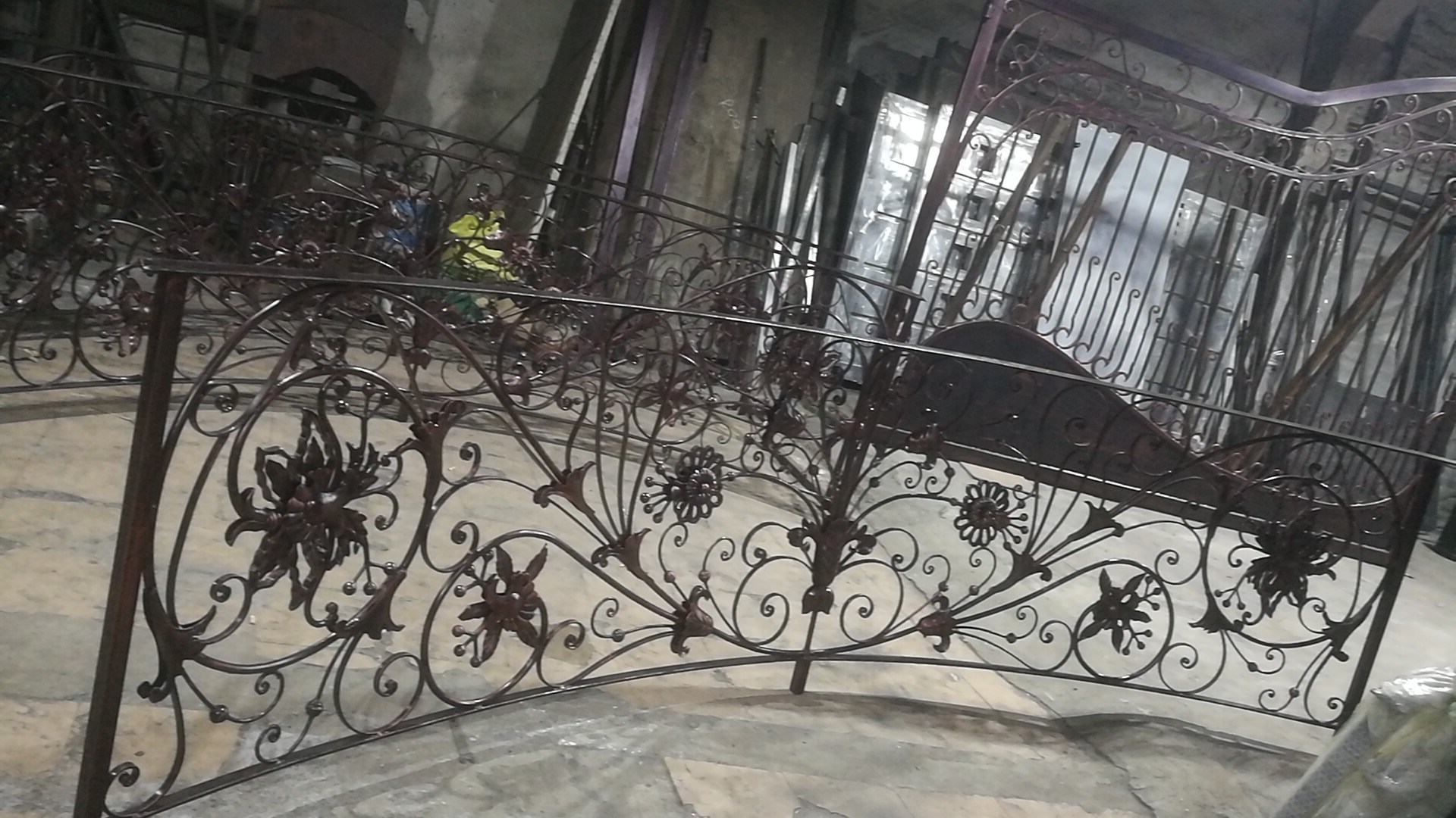 China Hot Galvanized Wrought Iron Stairs Railing Stair Handrail Stair Balustrade China Wrought Iron Balustrade Iron Balustrade