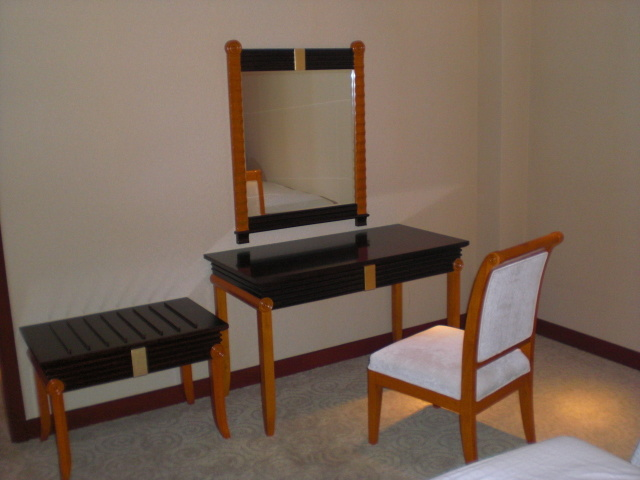 Hotel Furniture/Luxury Hotel Double Bedroom Furniture/Standard Hotel Double Bedroom Furniture/Double Hospitality Guest Room Furniture (NCHB-5101020511) pictures & photos
