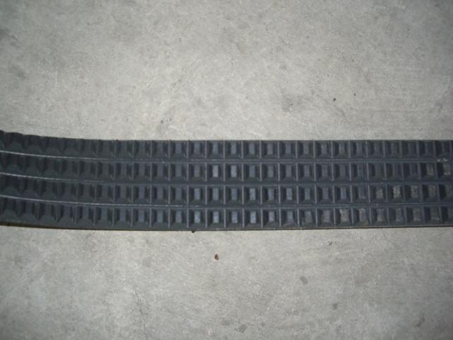 Excellent Resistant to Oil and Heat Raw Edge Cogged Automotive Belts pictures & photos