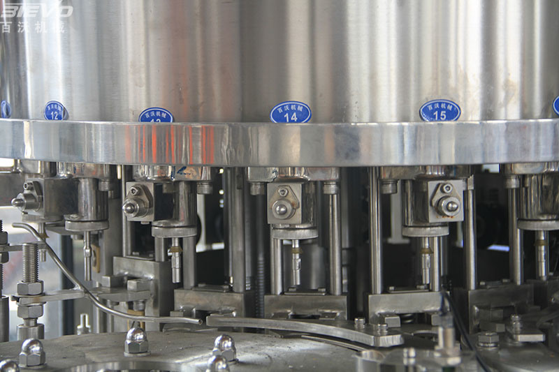 SGS Automatic Carbonated Water Rinsing Filling Capping Machine