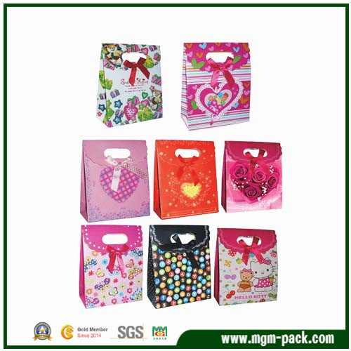 Popular Exquisite Colorful Paper Gift Bag with Die Cut