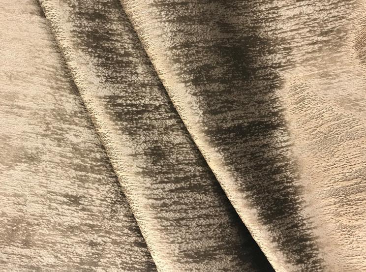 China New Fashion Embossed Velvet Upholstery Fabric Pouch Velvet