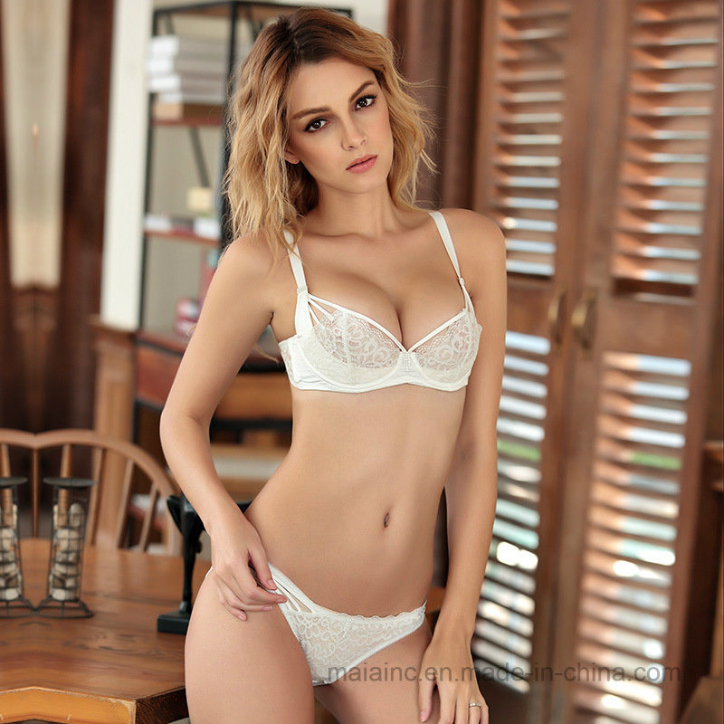 2017 New Lace Ladies Bra Set pictures & photos