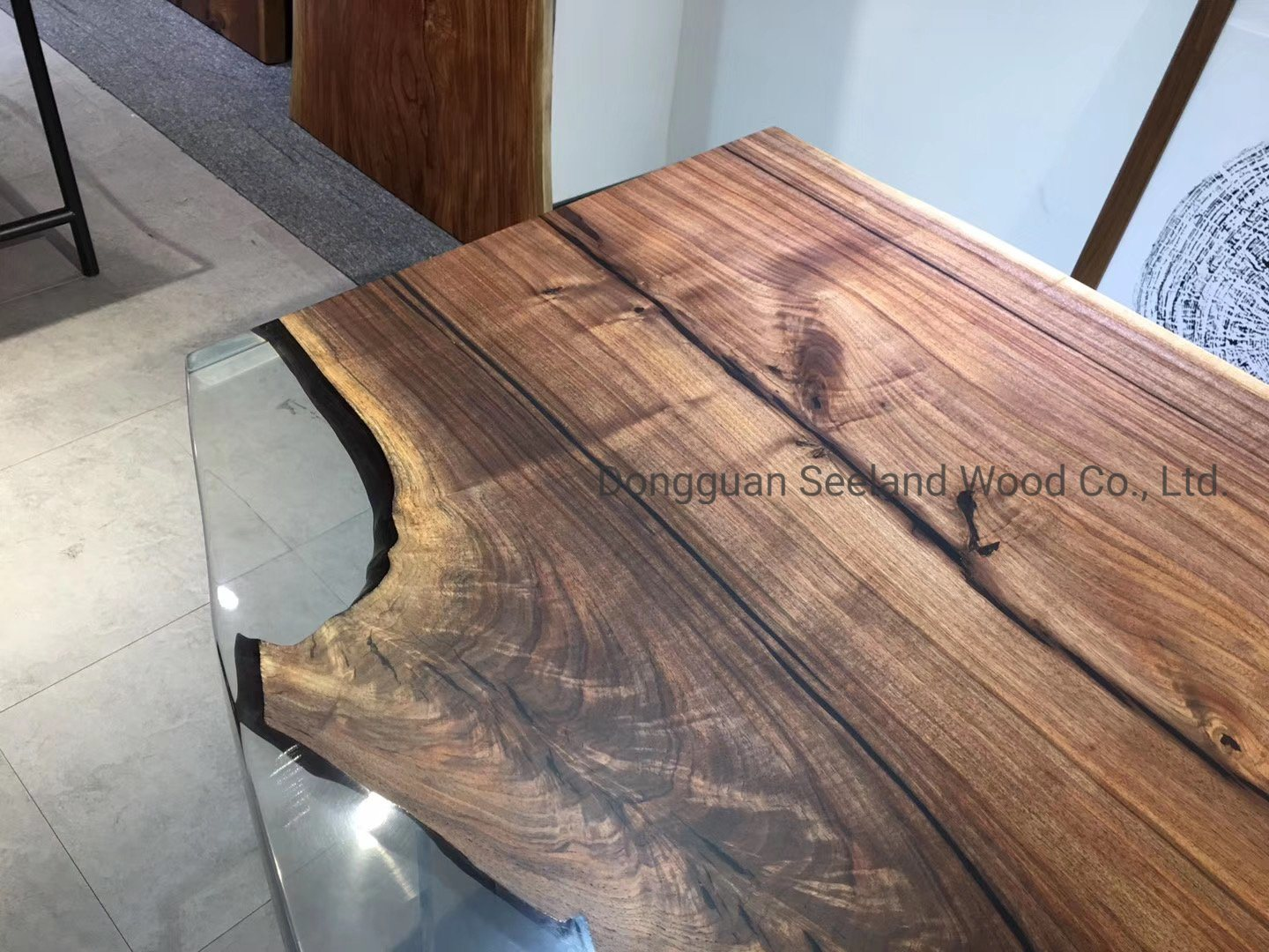 China Solid Wooden Dining Table Set Walnut Butcher Block Top Epoxy Resin Table Natural Wood Table Counter Top Console With Live Edge Photos Pictures Made In China Com