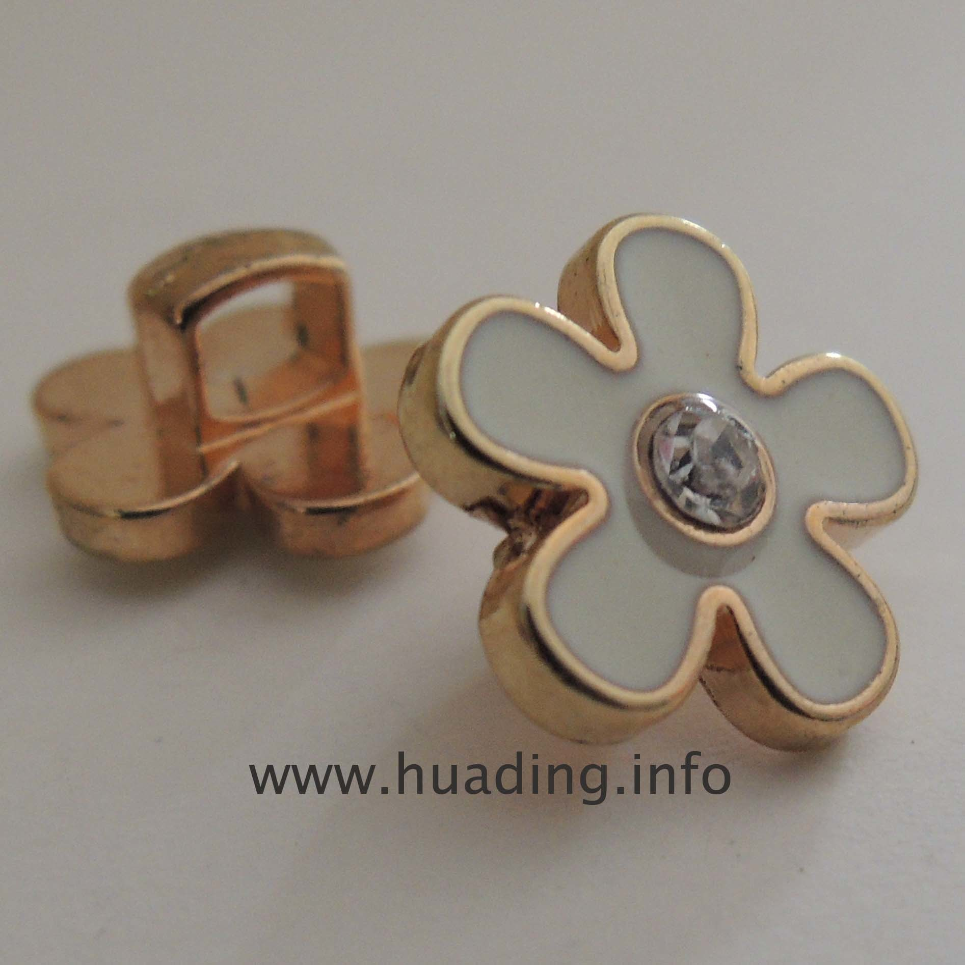 Flower Shape Hand Sewing Button for Garment (B656)