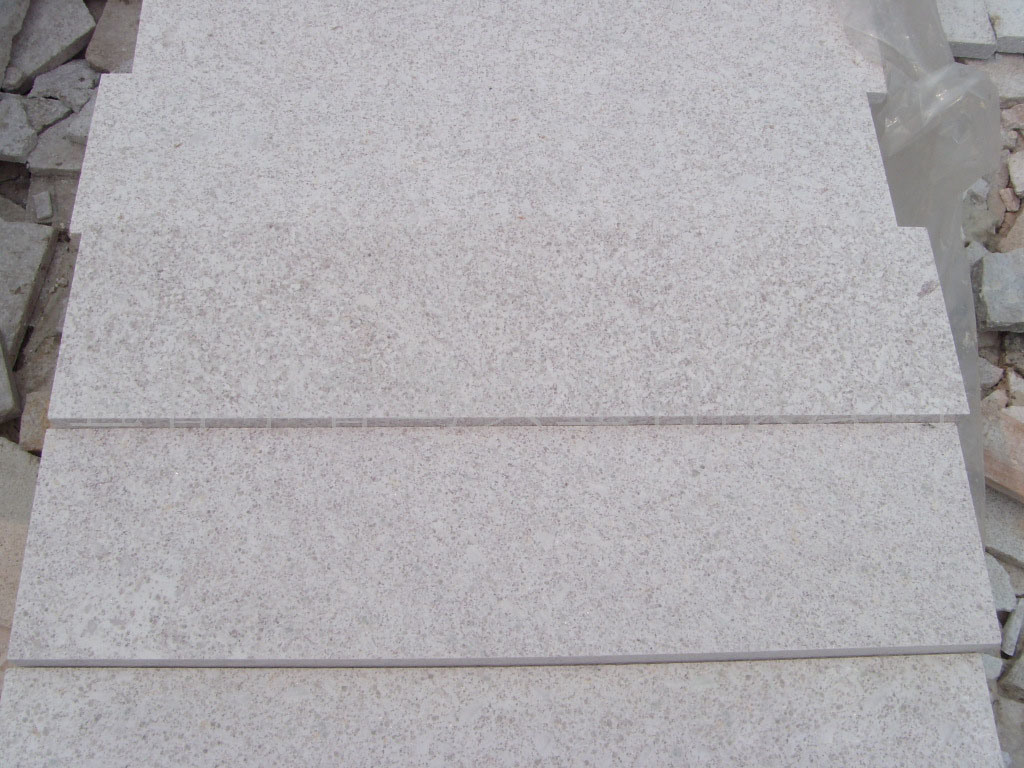 China Building Material Cut To Size Pearl White Granite Tiles For