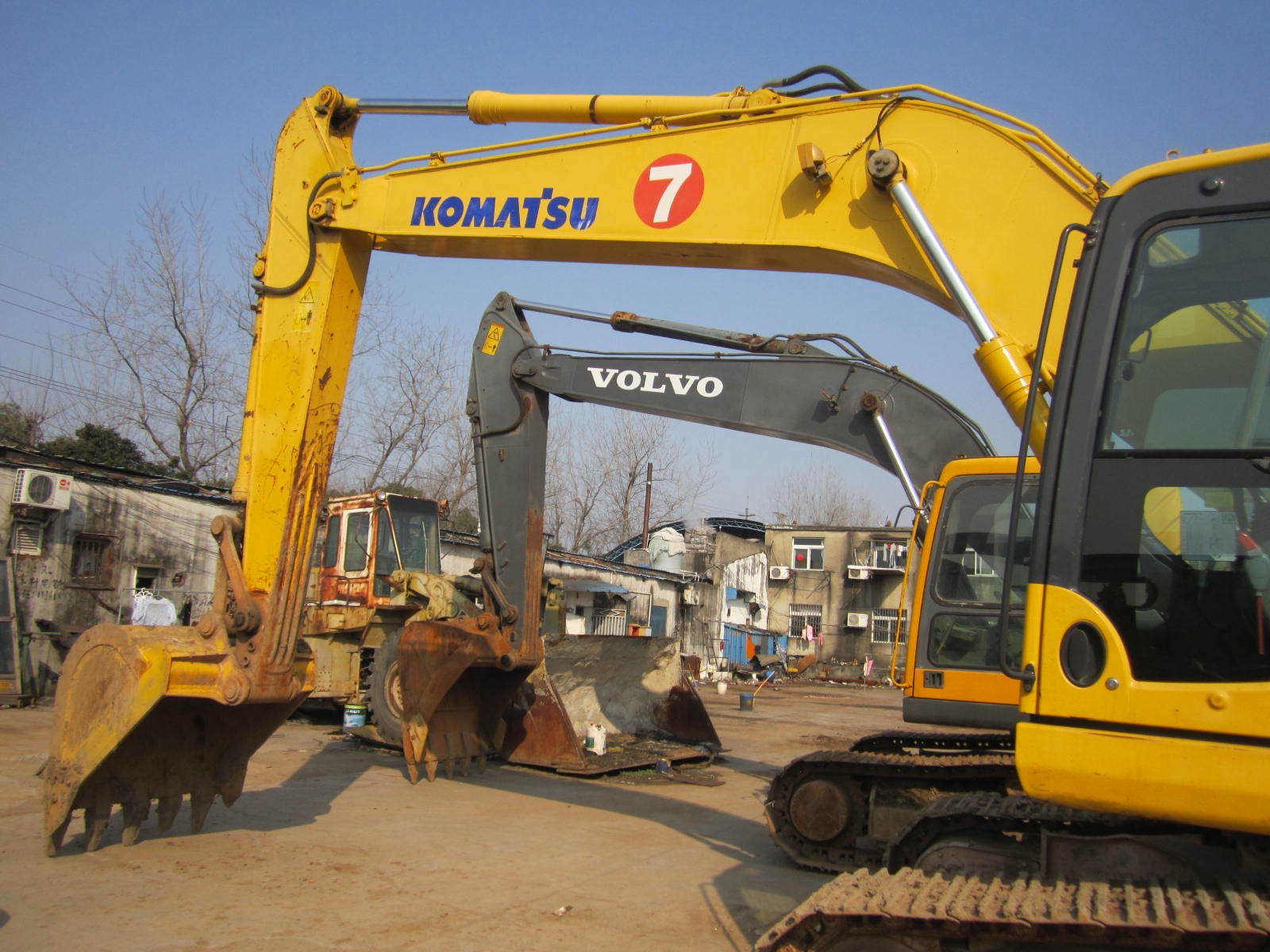 Secondhand Komatsu Excavators Komatsu PC200-8 for Sale