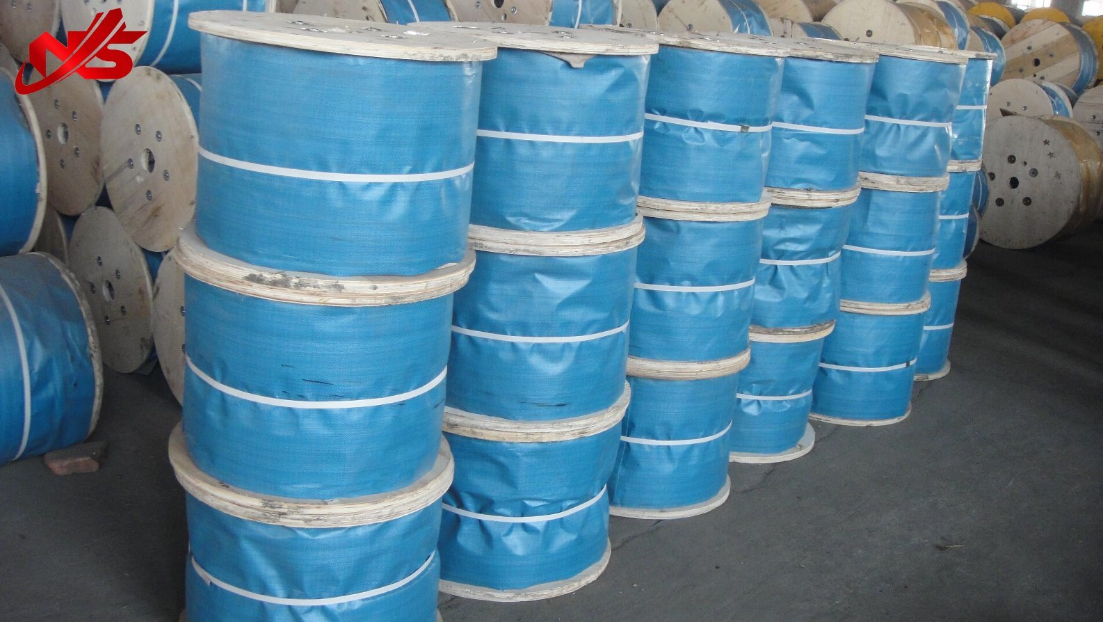 China Galvanized Steel Wire Rope Cable 6X37+FC/Iwrc Photos ...