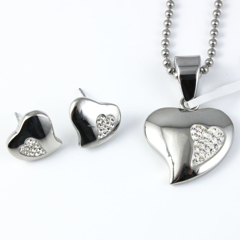 Hot Sale Jewelry Sets Pave Crystal Heart Pendant Is Suitable for Any Occasions