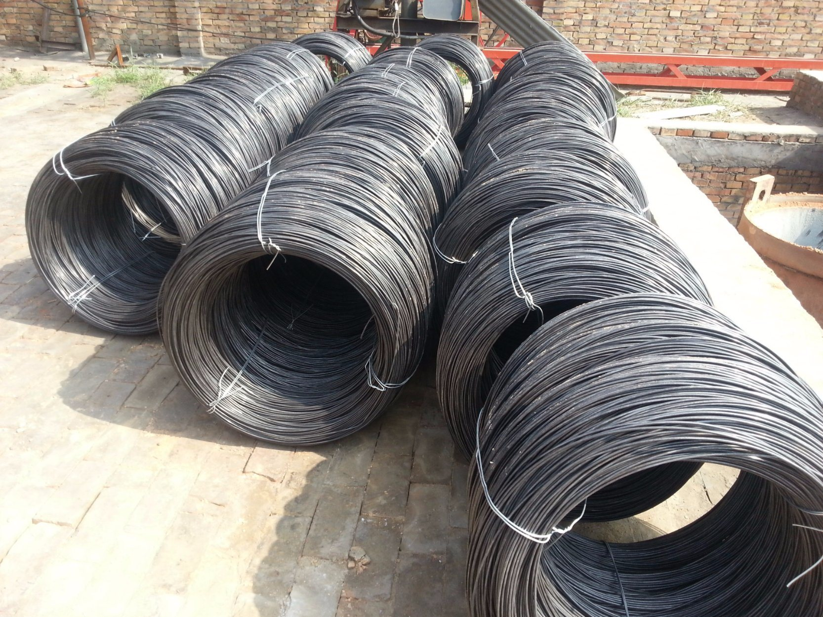 China Low Carbon Steel Black Iron Wire in Gauge 11 for Daily Use ...