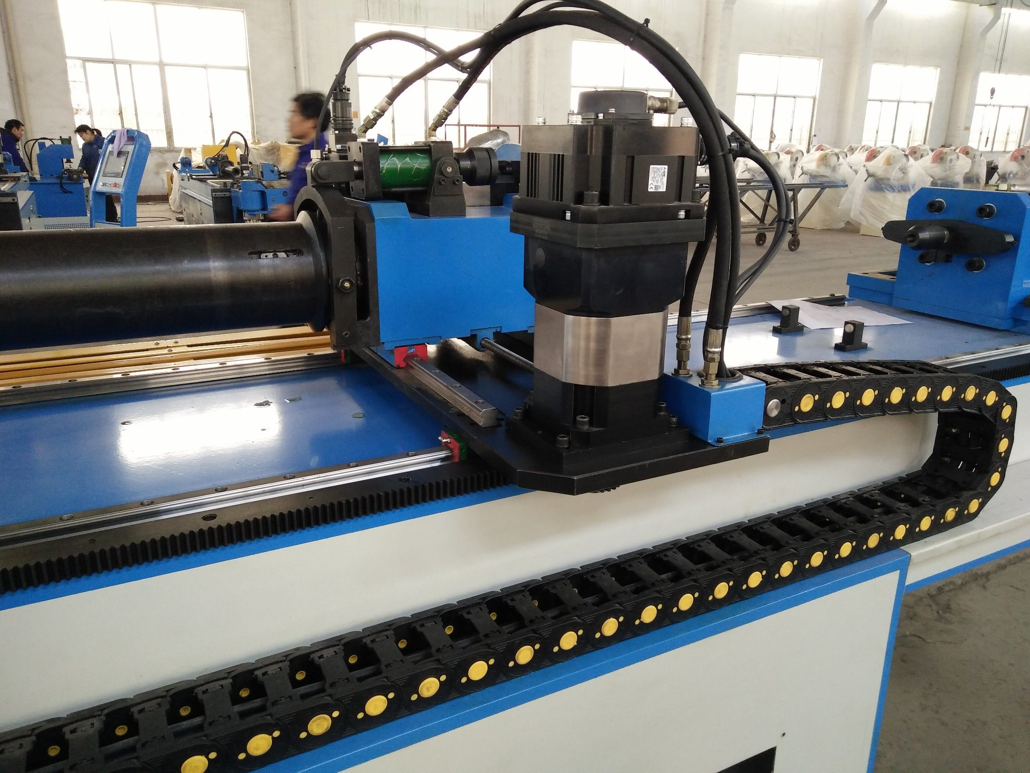Automatic Sheet Metal Bending Machine (GM-89CNC-2A-1S) pictures & photos