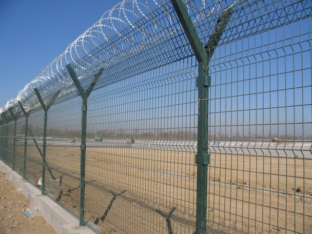 China PVC Farm Fence Welded Wire Mesh Fence Netting (Anjia-002 ...