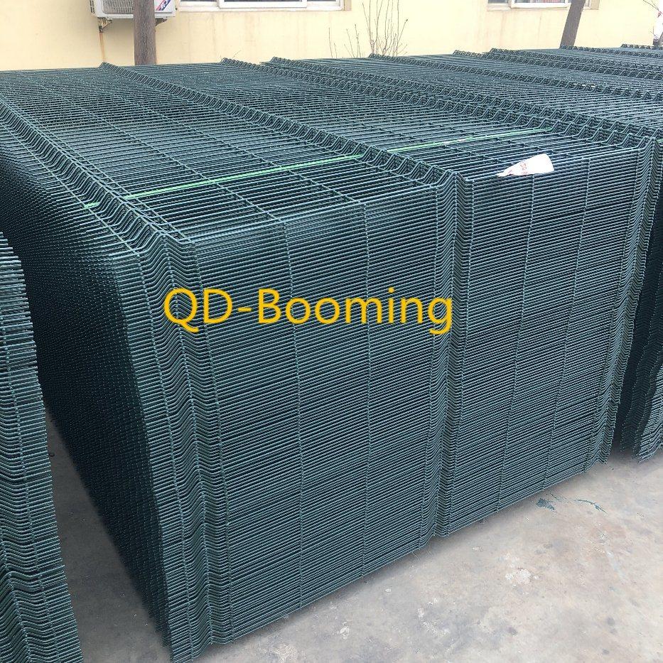 China PVC Powder Coating V Shape Welded Mesh Fence for UK Market ...