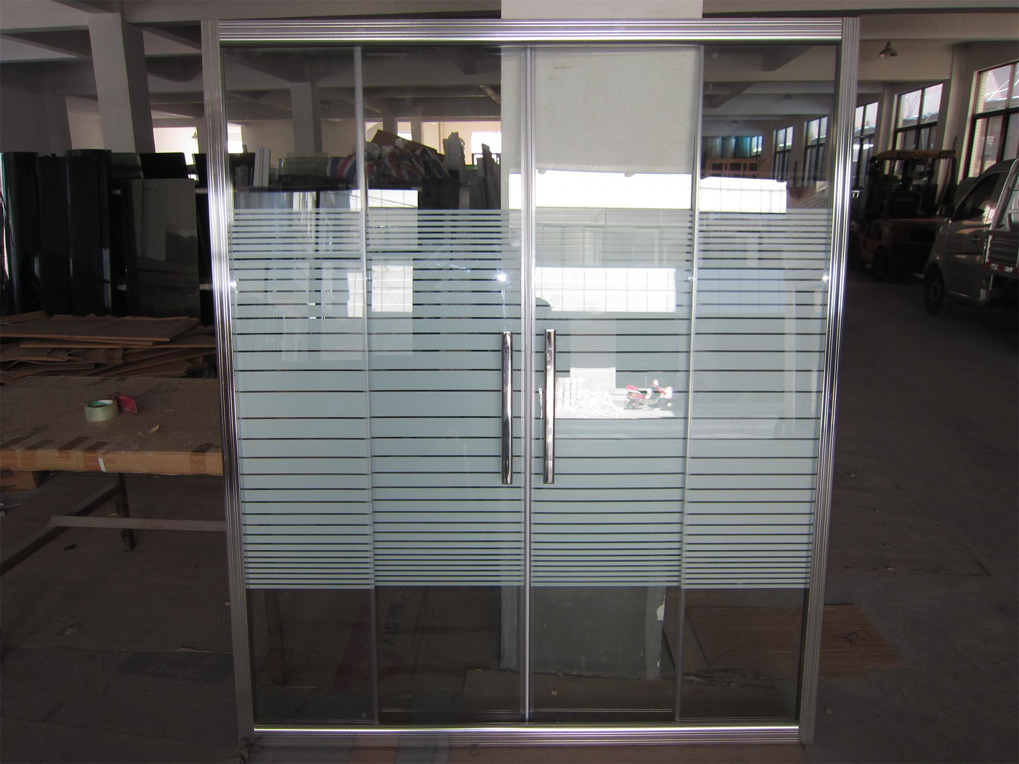 China 8 Mm Shower Screen With Special Groove On The Aluminum