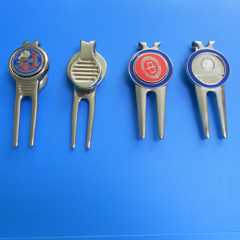 1 Set of Gift for Golf Divot Tool and Hat Clip