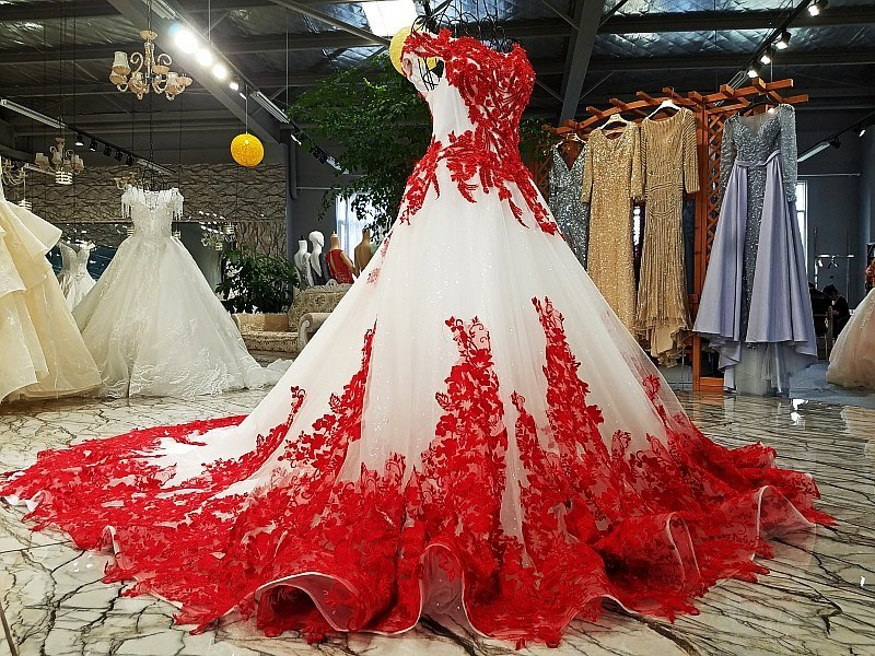 Lace Wedding Ball Gown Red Ivory Bridal Dress Ld1162