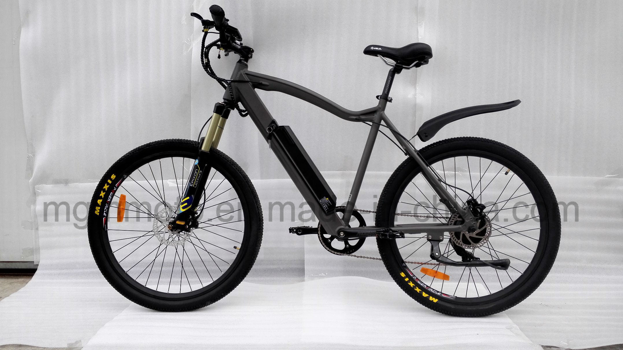 2017 New Inner Battery 27.5 Inch Central Motor Mountain Electric Bike