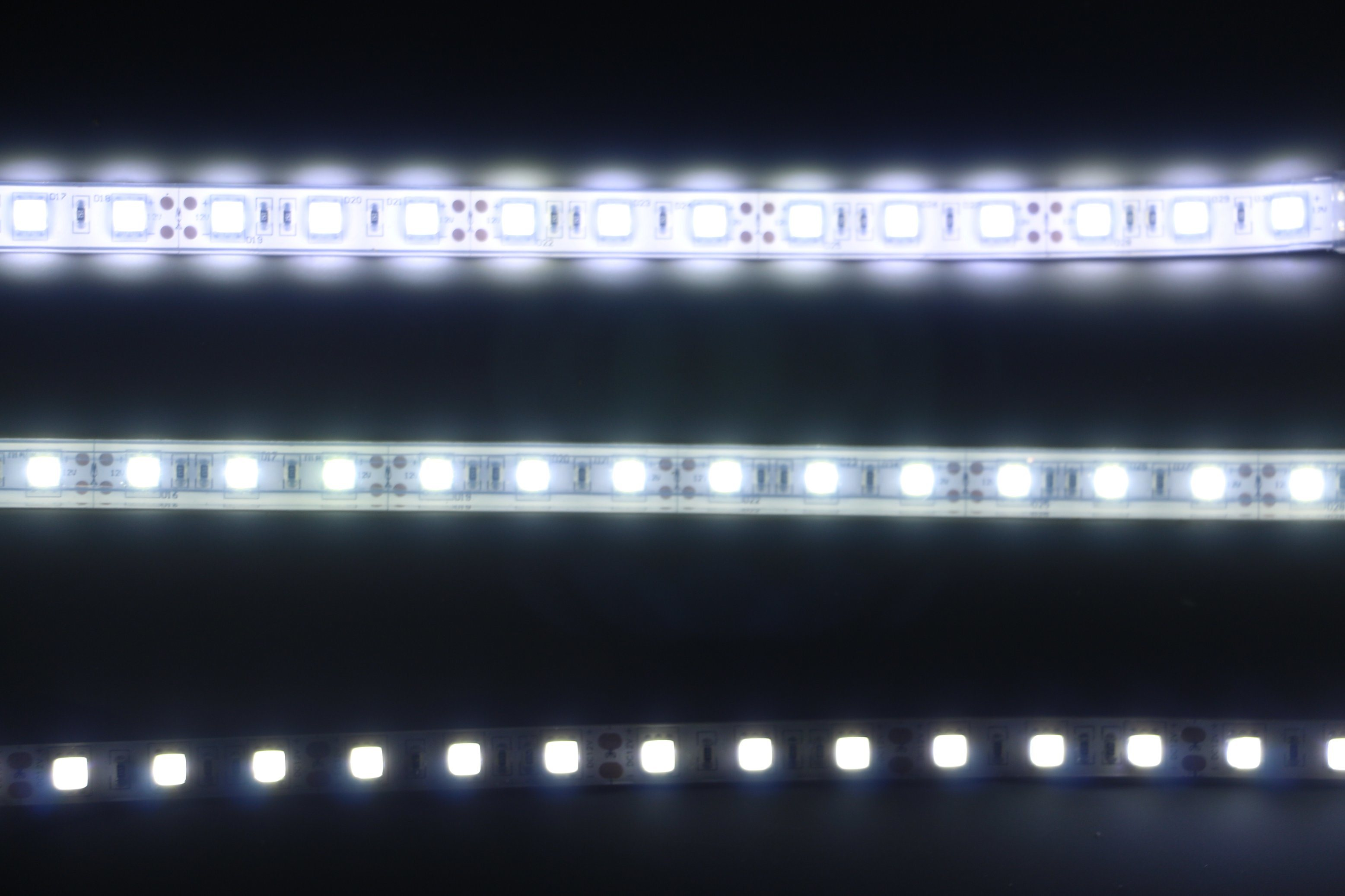 #5193 White 4mm Glasperlen 84St