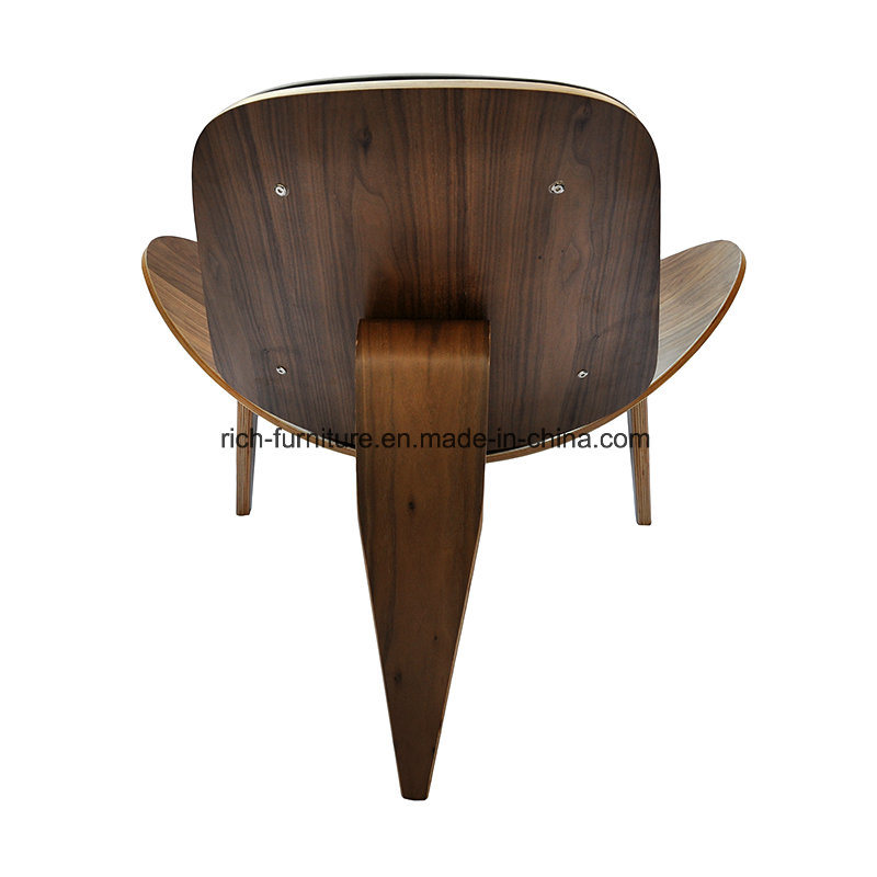 Replica Three- Leg Bent Plywood Hans Wegner Shell Chair pictures & photos