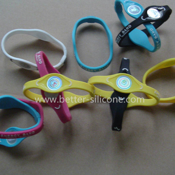 Fashion Elastomer Energy RFID Smart Rubber Silicone Wristband pictures & photos