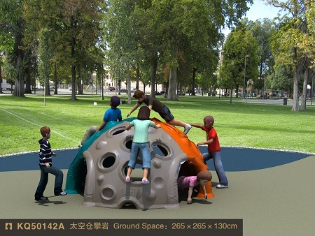 China Kaiqi Capsule Climbing Toy for Children′s Playground