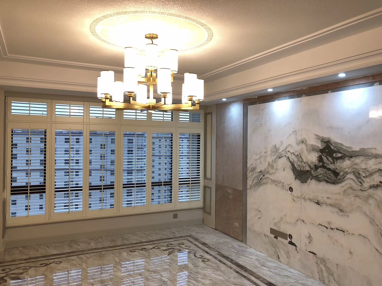 Hot Item Hangzhou Aisen Modern Design Furniture White Wooden Adjustable Louver Plantation Shutter