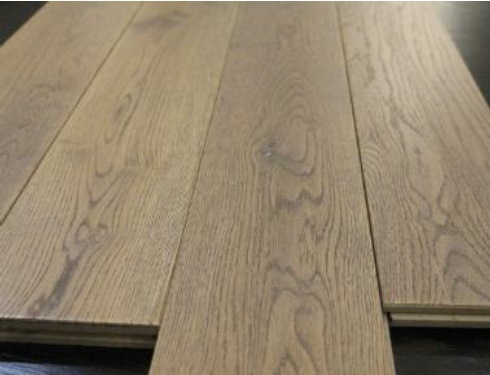 China 150x18mm Wire Brushed Grey Solid Oak Wide Plank Hardwood