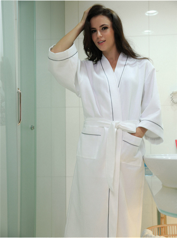 China Cotton Waffle Fabric Bathrobe Hotel Bathrobe Dressing Gowns ...