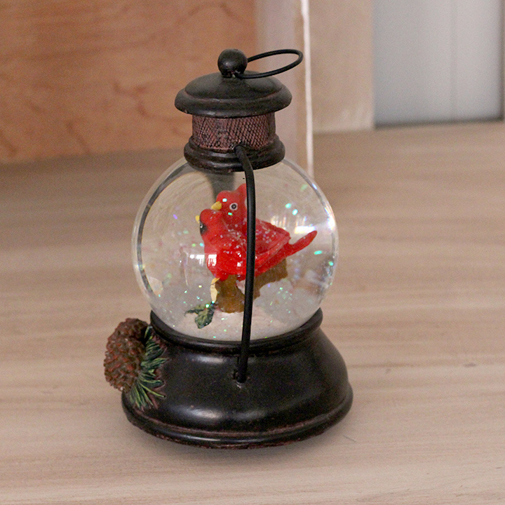2017 New Design Resin Parrot Snow Globe with Music