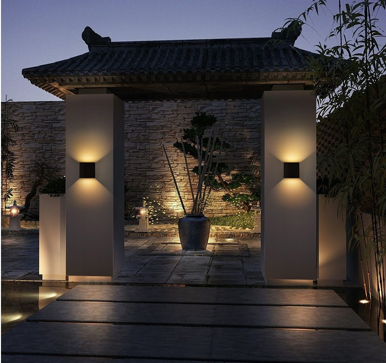 China Outdoor Waterproof Up Down Lighting 12w Induction Led