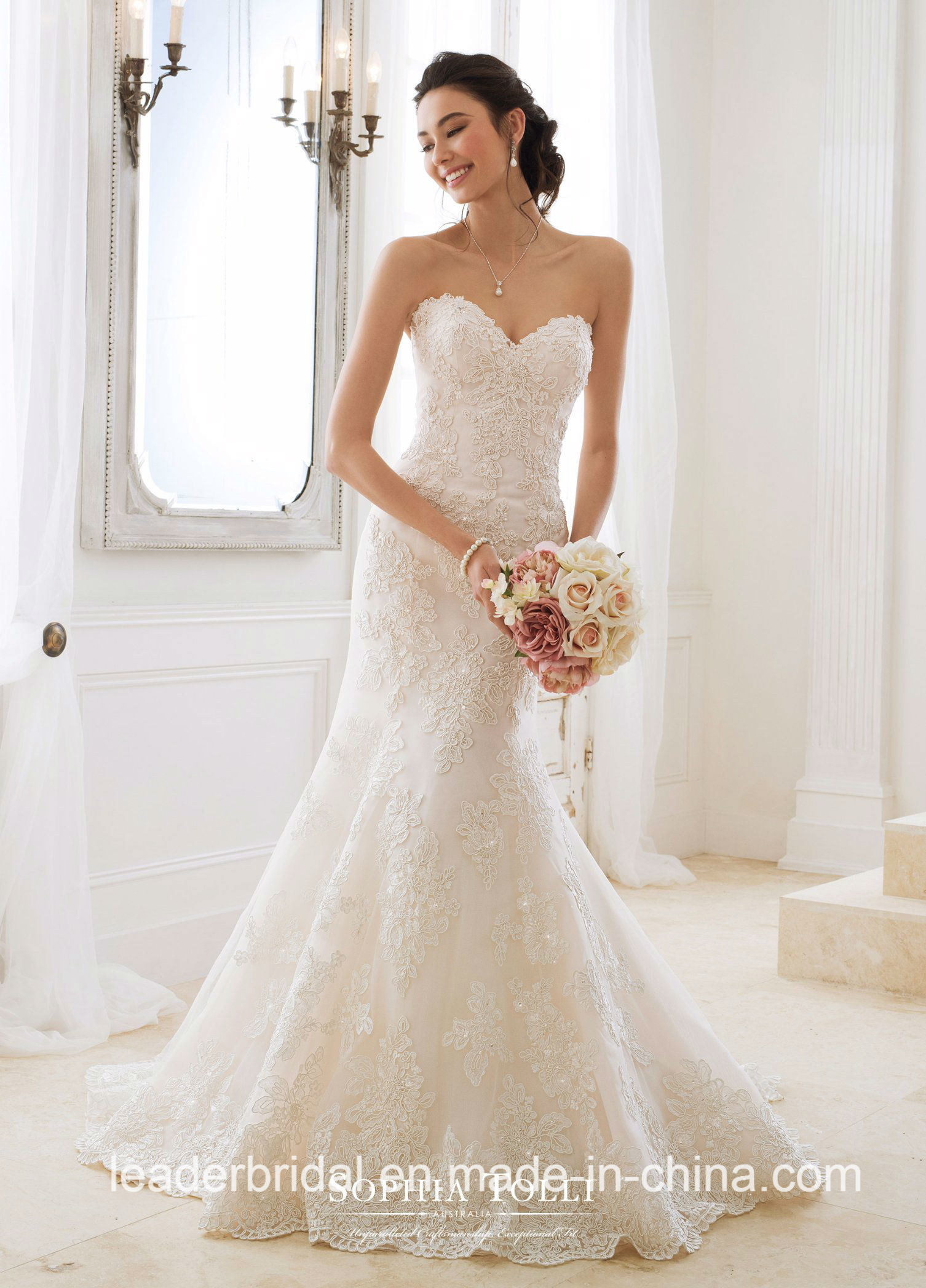 China Strapless Sweetheart Lace Bridal Gowns 2018 New Corset Beaded