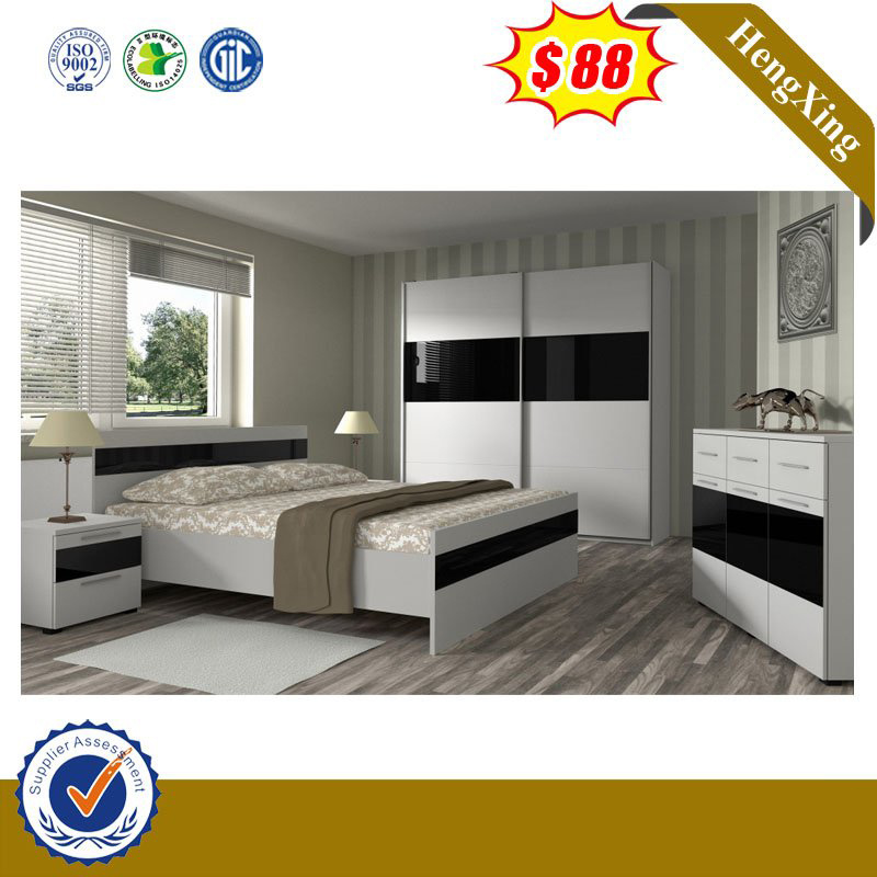 China Latest Design Wooden Bedroom Set, King Queen Bed Set