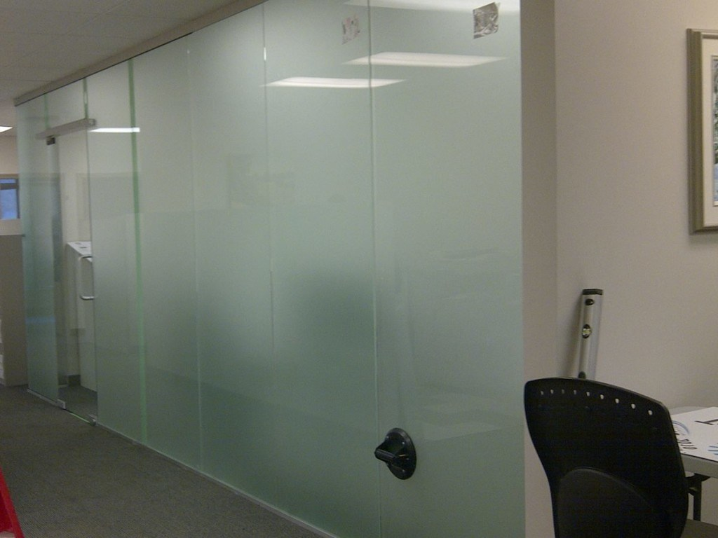 Hot Item Frosted Sandblasted Tempered Glass Acid Etched Tempered Shower Glass For Shower Room Door Curtain Wall