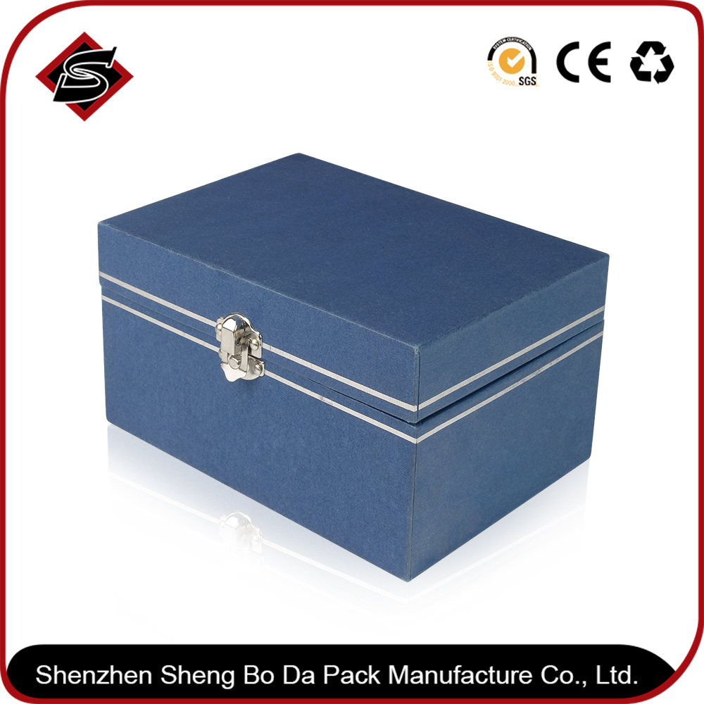 Customized Color Packaging Paper Gift Box pictures & photos